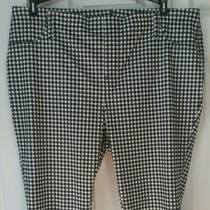 Faded Glory size 2X Gingham Capri Jeggings. NWT